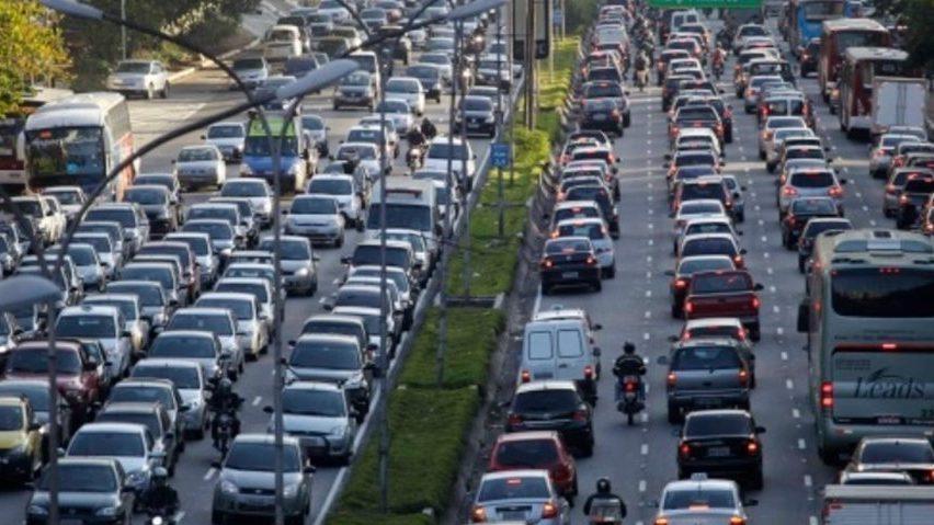 Trânsito São Paulo Av 23 de maio