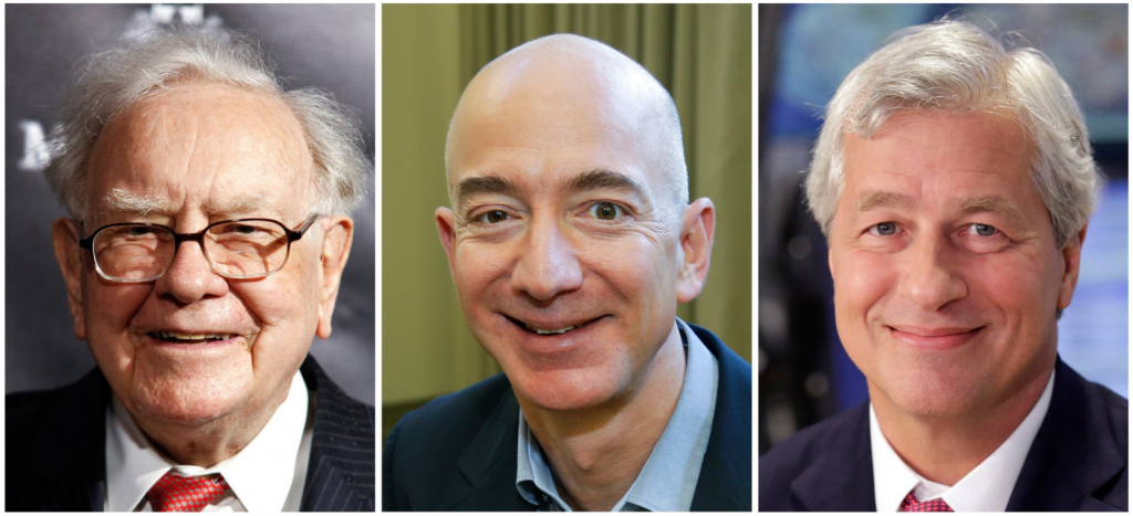 Partindo da esquerda: Warren E. Buffett of Berkshire Hathaway, Jeff Bezos of Amazon and Jamie Dimon of JPMorgan Chase. Creditos: Associated Press